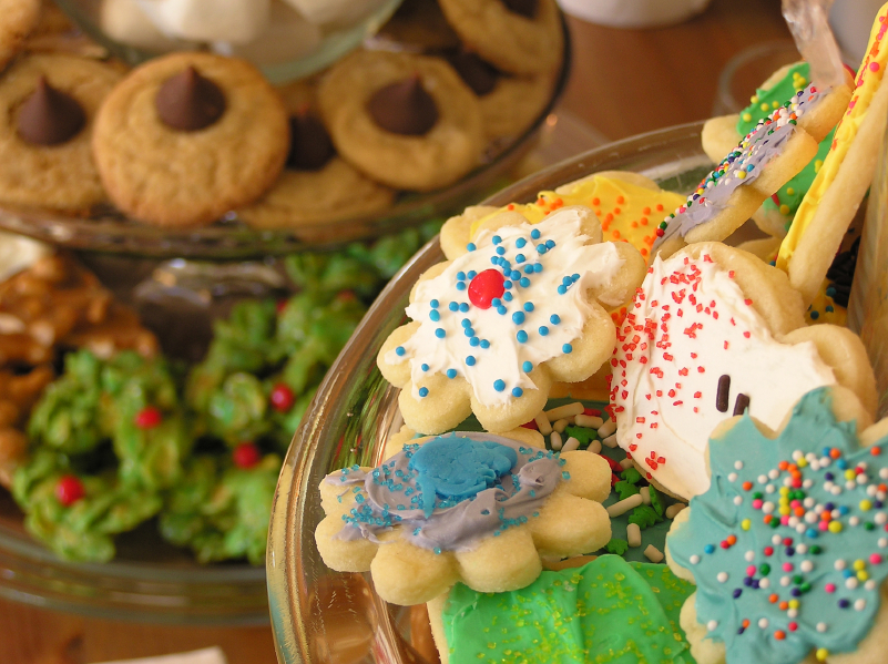 Cookies are an easy make-ahead dessert for the holidays.