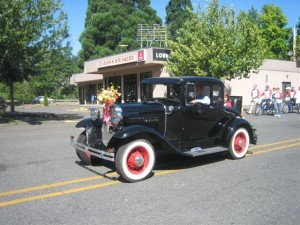 Our antique cars are always a popular part of the parade.