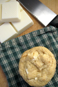 The Mommy Bowl: White Chocolate Macadamian Nut Cookies (GF/CF)