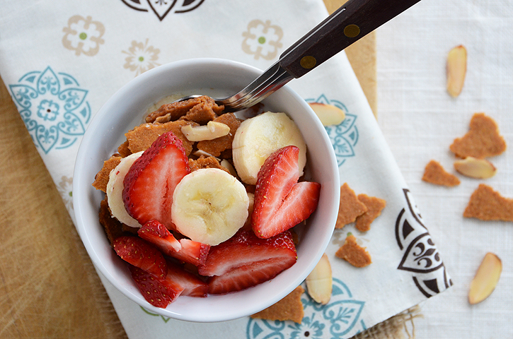 Whole Grain Brunch: Hearty Almond-Vanilla Cereal (GF) | Bob's Red Mill ...