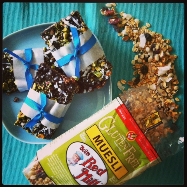 Hedgehog Muesli Bars:: Ericka Sanchez, Nibbles and Feasts