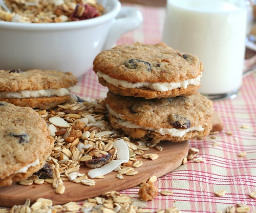 Muesli Cream Pies:: Carolyn Ketchum, All Day I Dream About Food