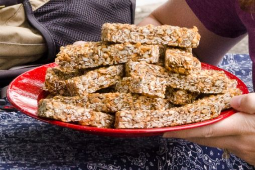 Sally's Apple Crisp Granola Bars | Bob's Red Mill