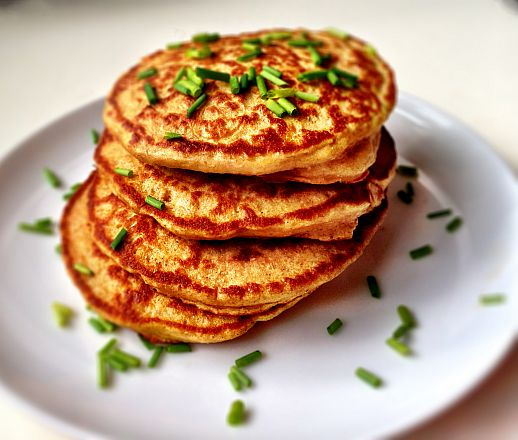 Chive and Cheddar Protein Pancakes | Bob's Red Mill