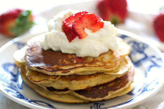 Strawberry Chia Seed & Greek Yogurt Pancakes | Bob's Red Mill