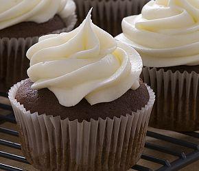 Buttermilk Chocolate Cupcakes with Vanilla Buttercream | Bob's Red Mill  gluten free, vegan adaptable