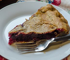 Oregon Blackberry Pie : For this blackberry pie, we've chosen to use our Whole Wheat Pastry Flour to make the crust. The whole grain flour brings a nuttiness to the pie that pairs wonderfully with the sweet filling. Sure, it makes it a wee bit healthier too, but who is eating pie because it's healthy? (Not us!)    Bob's Red Mill