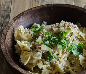 Kasha Varnishkes- the traditional Ashkenazi Jewish dish made using buckwheat and farfalle pasta. Quick, easy and satisfyingly simple. // Bob's Red Mill