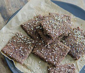 Flax Crackers that meet almost all dietary needs- vegan, gluten free, paleo // Bob's Red Mill
