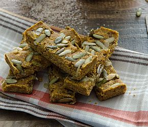 Pumpkin Chai Boost Bars: For a nice tide-me-over or for some sweat session fuel, these bars will keep your body going. Vegan, Gluten Free // Bob's Red Mill @bobsredmill
