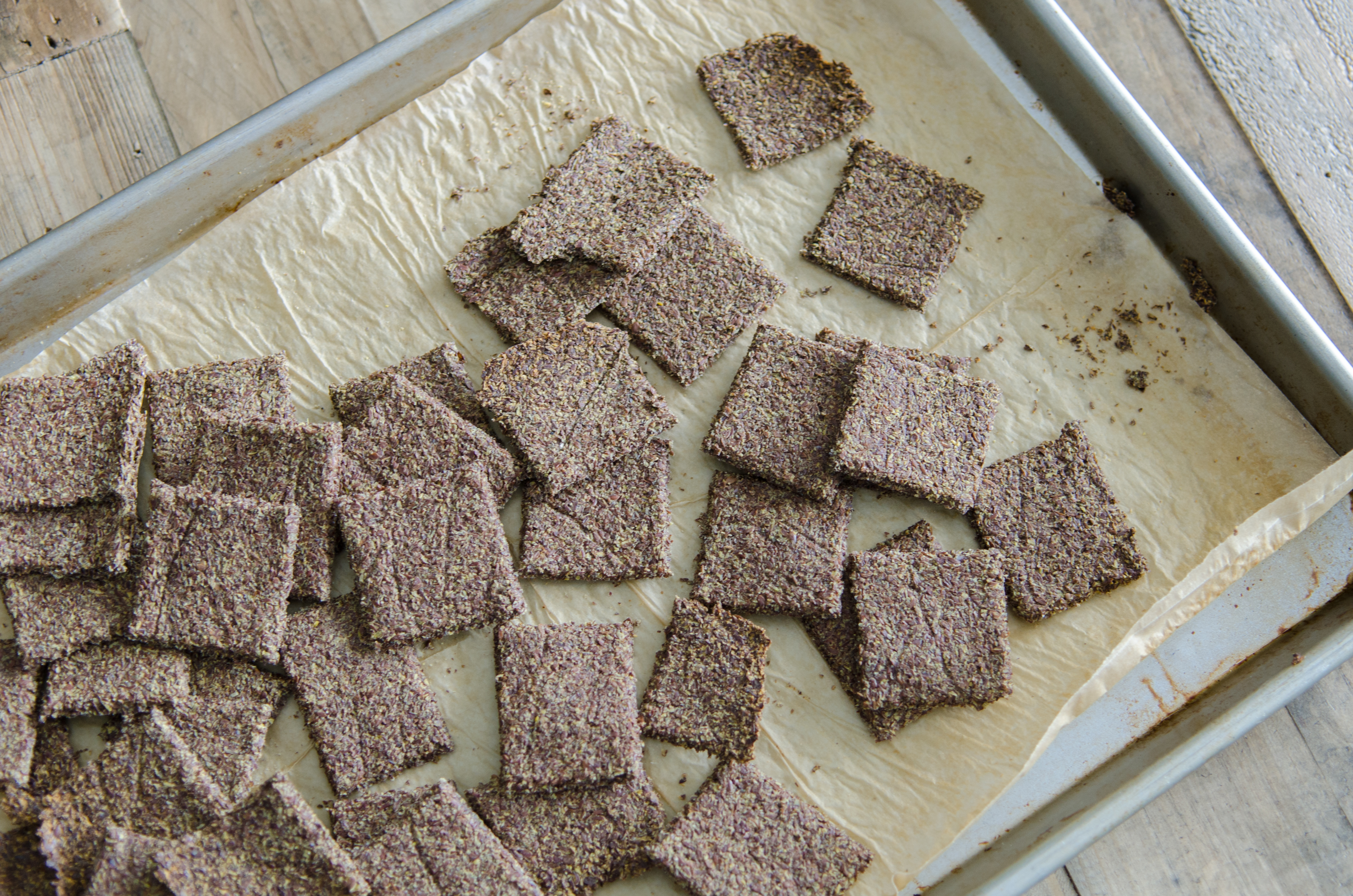 Salt and Pepper Flax Crackers that meet almost all dietary needs- vegan, gluten free, paleo // Bob's Red Mill