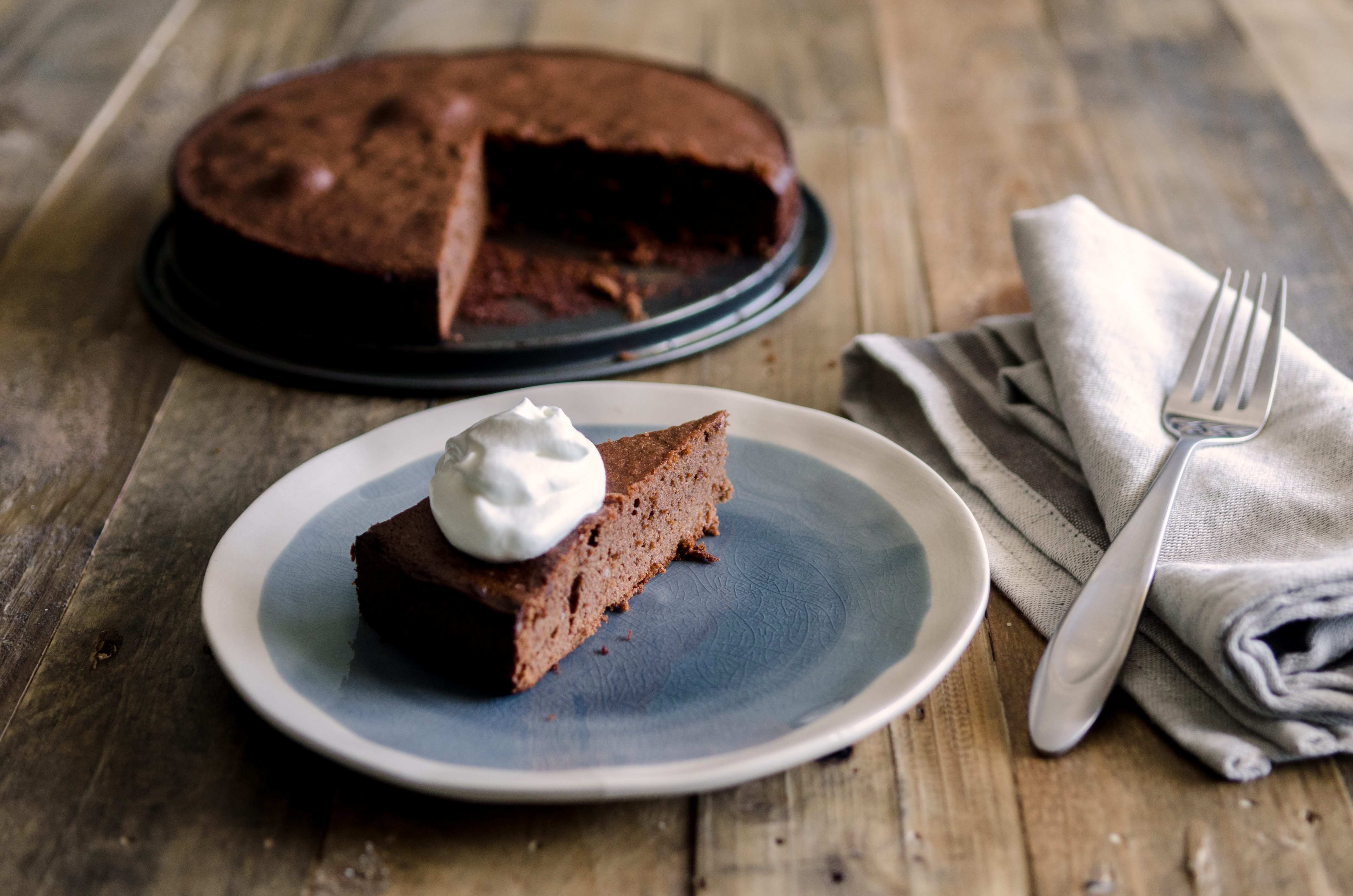 This flourless chocolate cake is light and spongy with a terrific chocolate-almond flavor.  Great on its own or as layers of a frosted cake. // @BobsRedMill // passover