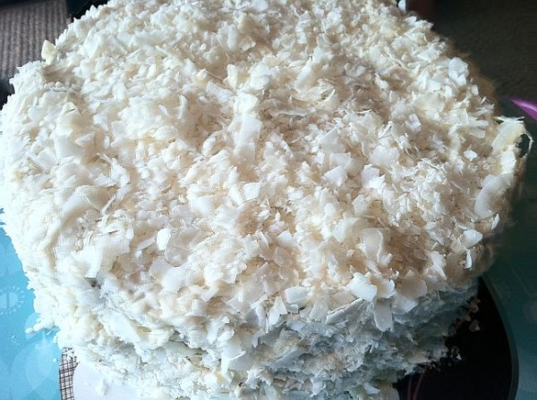 Coconut Layer Cake - is tried and true and a great way to dip your toes in baking with coconut flour. // @BobsRedMill